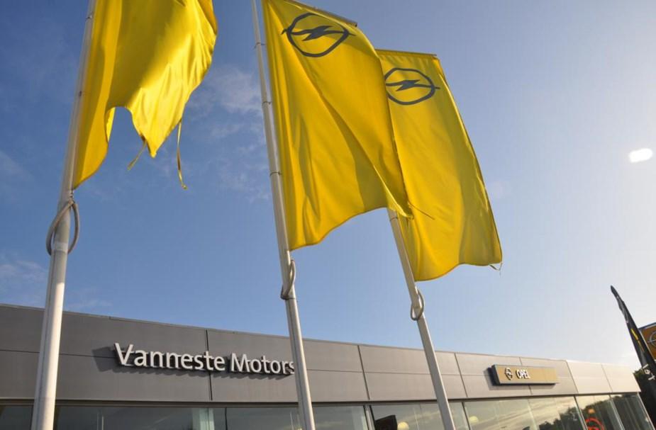 Les activités d'Opel Vanneste déménagent chez Vandecasteele
